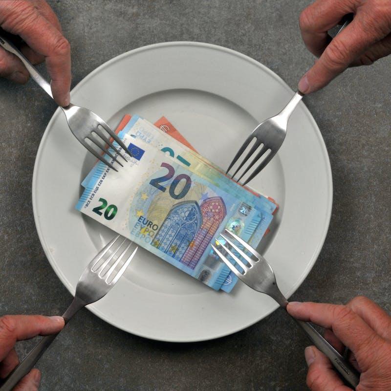 Un ex-conjoint peut-il cesser le versement de la pension alimentaire lorsque l'enfant trouve un petit boulot?