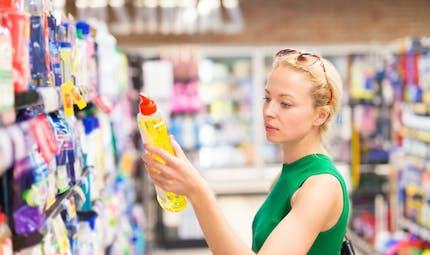 Produits ménagers : bientôt un Toxi-score pour signaler leur toxicité ?