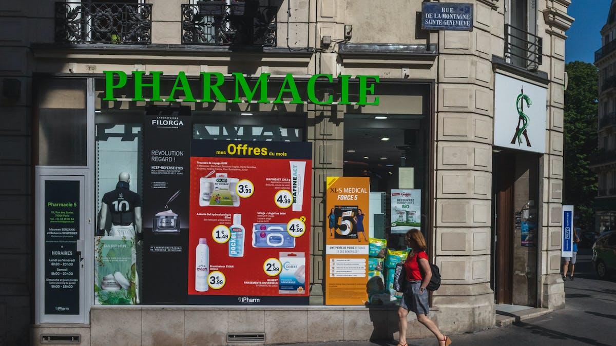 Devanture, pharmacie, Paris