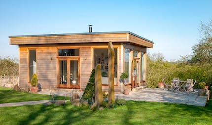 Agrandir sa maison: et si vous construisiez un studio de jardin?