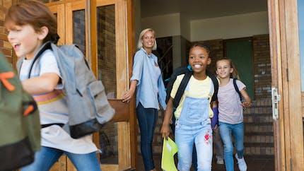Vacances : que risquez-vous si votre enfant manque la fin de l'année scolaire ?
