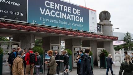 Covid-19: peut-on rendre la vaccination obligatoire pour tous les Français?