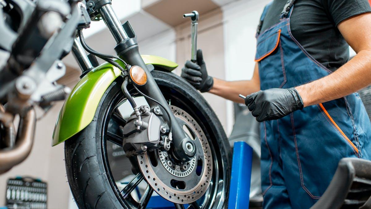 Mécanicien, moto, outils, garage