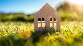 Faut-il payer des impôts à la vente d'un terrain constructible?