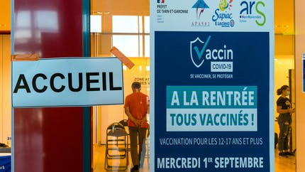 Covid-19: près de 50 millions de personnes ont reçu au moins une dose de vaccin
