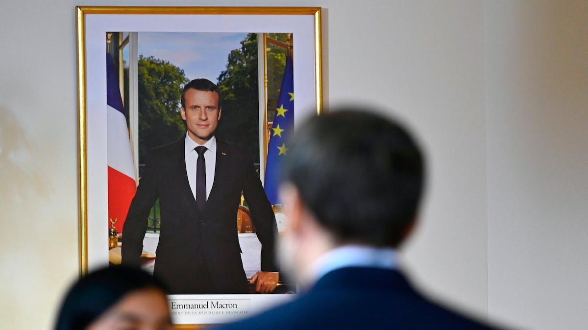 Portrait officiel d'Emmanuel Macron