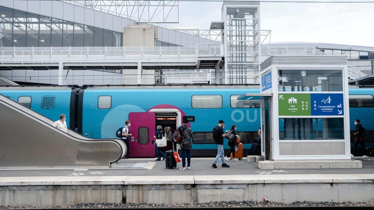Gare de Rennes, train Ouigo, voyageurs