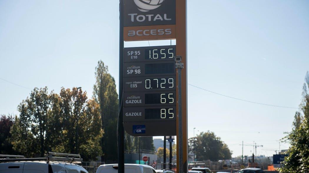Prix des carburants: Jean Castex doit annoncer la solution choisie par le gouvernement