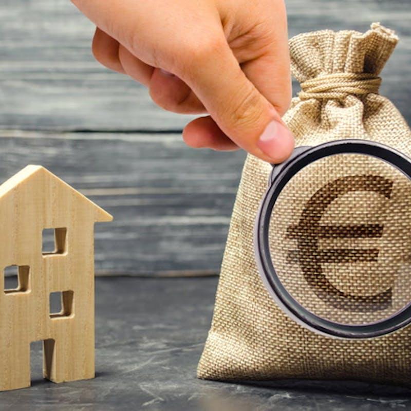 Fiscalité des loyers : faut-il louer un logement vide ou meublé ?